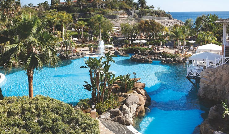 Gran Hotel Bahia del Duque Tenerife pool water features sea in background