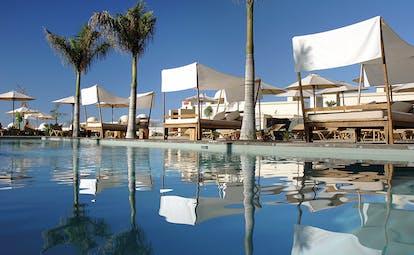 La Plantacion del Sur Tenerife pool canopied sun beds palm trees