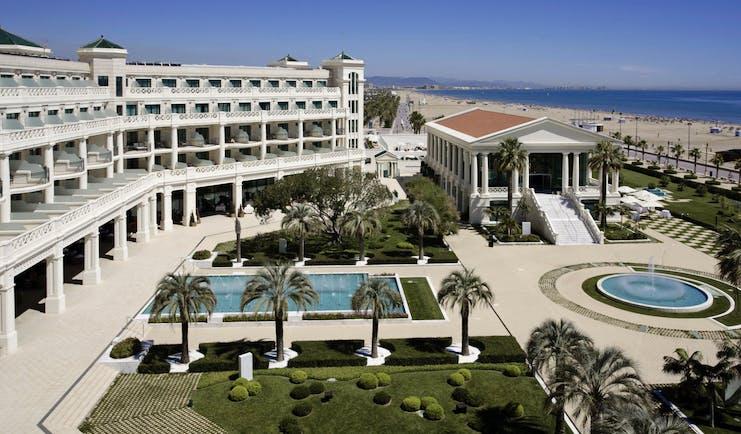 Las Arenas Balneario Valencia exterior hotel building pool water feature beach