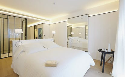 Mas Lazuli Eastern Spain junior suite with terrace bed mirrors modern décor