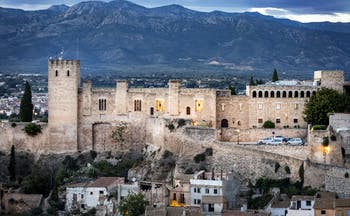 parador de tortosa-view of battlements with hills in the background
