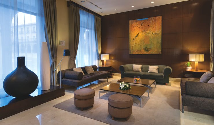 NH Collection Leon Plaza Mayor Green Spain lounge sofas tables elegant décor