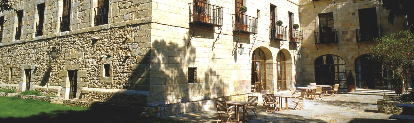Parador de Santillana Gil Blas Green Spain patio outdoor seating area