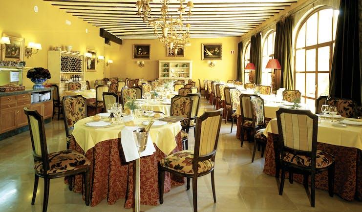 Parador de Santillana Gil Blas Green Spain restaurant traditional décor