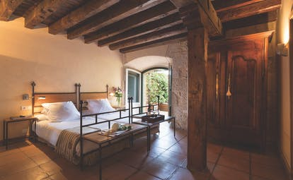 Hacienda Zorita Heart of Spain celda room cosy décor original architectural features