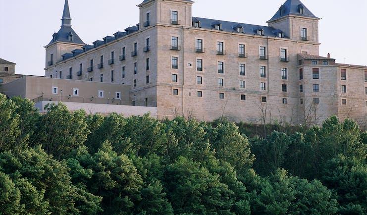 Parador de Lerma exterior, hotel building, traditional architecture