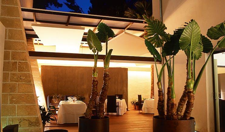 Convent de la Missio Mallorca restaurant indoor dining modern décor large ceiling window