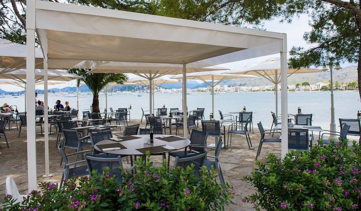 Hotel Illa d'Or Mallorca terrace outdoor dining area overlooking the sea