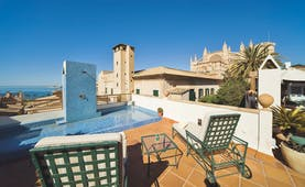 Hotel Palacio Ca Sa Galesa Mallorca terrace rooftop seating area pool city cathedral and sea views
