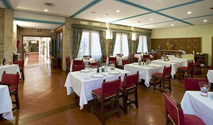 parador de santo domingo de la calzada spacious dining room