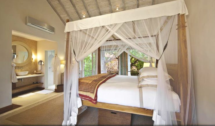 20 Middle Street Sri Lanka annexe bedroom canopied four poster bed en suite bathroom elegant décor
