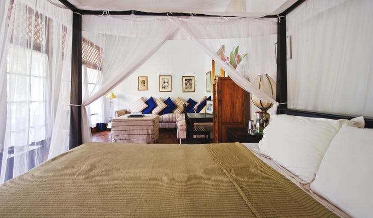 41 Lighthouse Street Sri Lanka canopied four poster bed sofa elegant décor