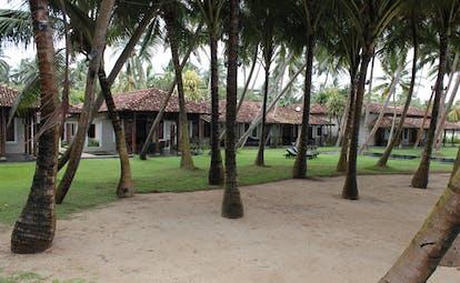 Apa Villa Thalpe Sri Lanka bungalow villa gardens trees beach