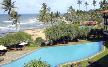 Jetwing Lighthouse Sri Lanka beach view from outdoor pool