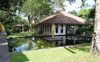 Kahanda Kanda Sri Lanka lounge pavilion bungalow pond with buddha statue