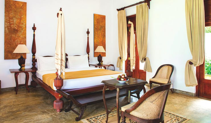 Tamarind Hill Sri Lanka crayford room four poster bed grand traditional decor