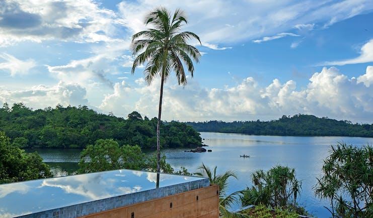 Tri Lanka Sri Lanka infinity pool overlooking lake