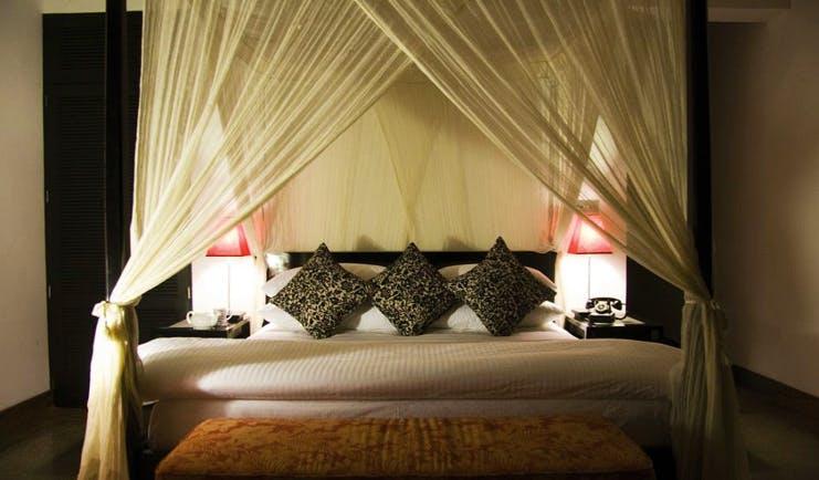 The Wallawwa Sri Lanka bedroom four poster minimal decor
