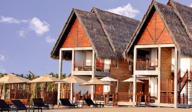 Maalu Maalu Sri Lanka exterior hotel building traditional architecture