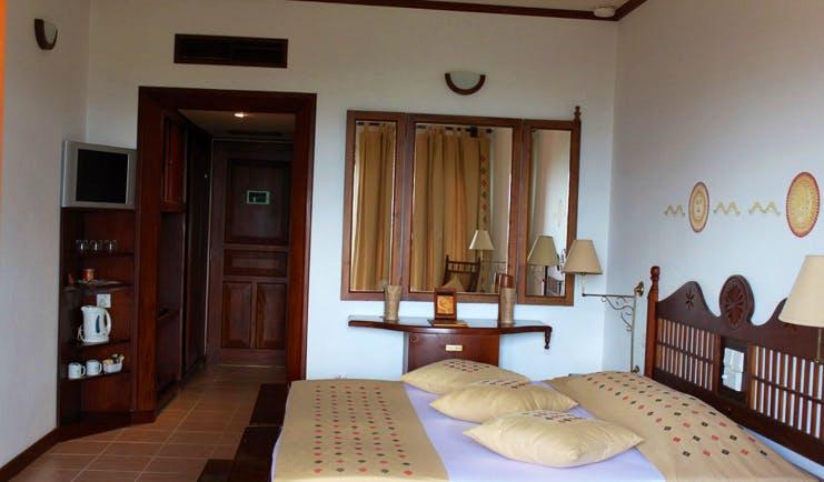 Amaya Hills Sri Lanka bedroom traditional decor