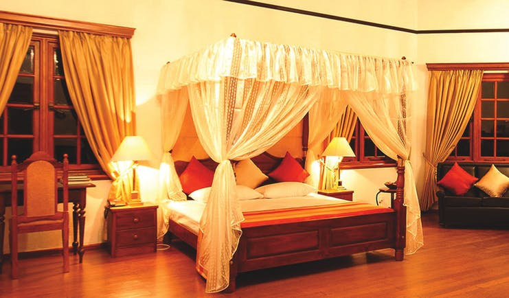 Governor's Mansion Sri Lanka governors suite canopied four poser bed colonial décor