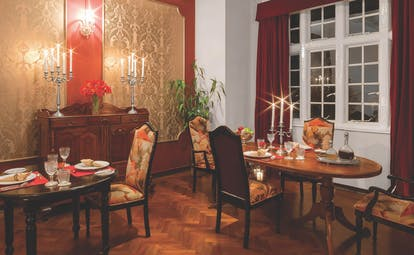 Taylor's Hill Sri Lanka dining room tables and chairs ornate décor