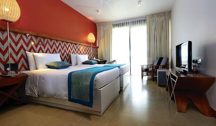 Cinnamon Bey Sri Lanka superior room bed television elegant décor
