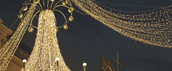 Gold-coloured lights at Xmas in Vienna
